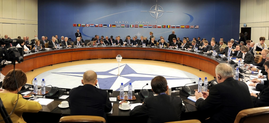 conferința miniștrilor apărării și de externe ai țărilor NATO, la sediul NATO din Brussels (2010)